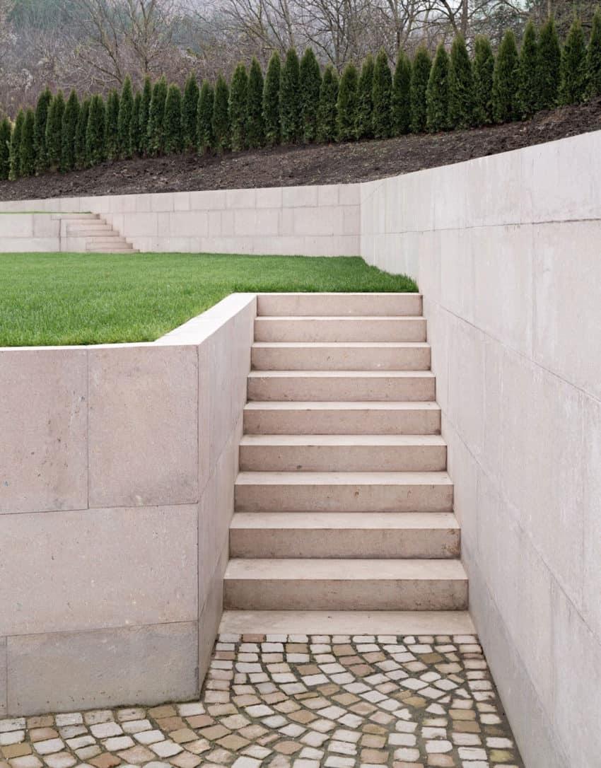 Slight Slope Long House by I/O Architects (6)