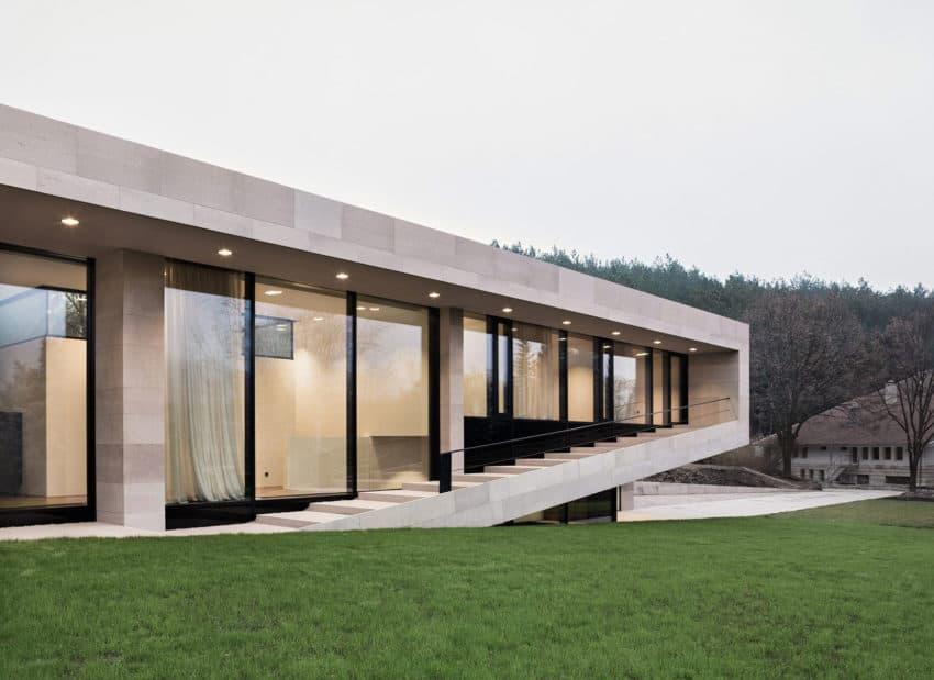 Slight Slope Long House by I/O Architects (9)