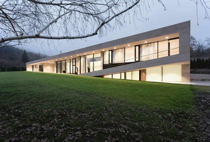 Slight Slope Long House by I/O Architects (15)