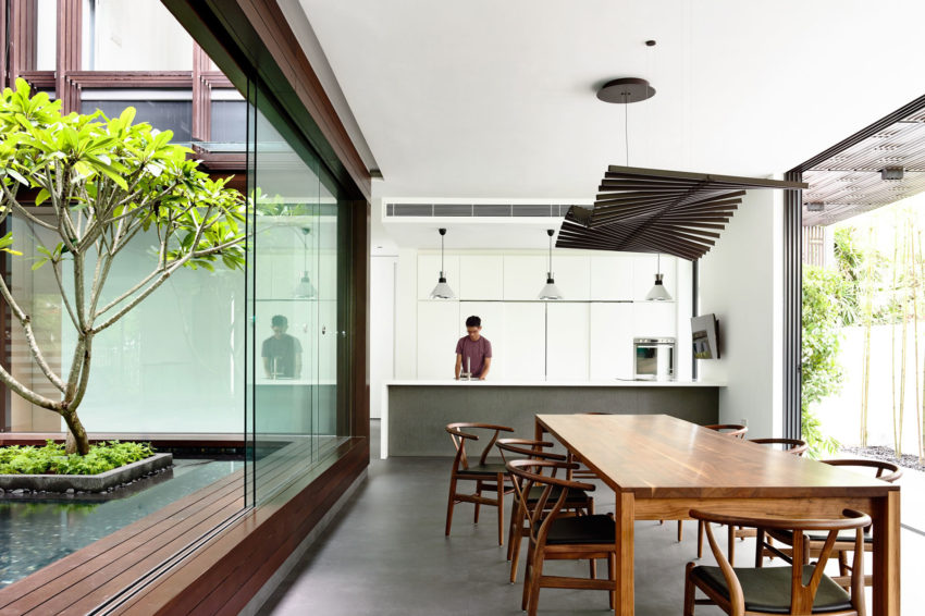 Vertical Court by HYLA Architects (10)