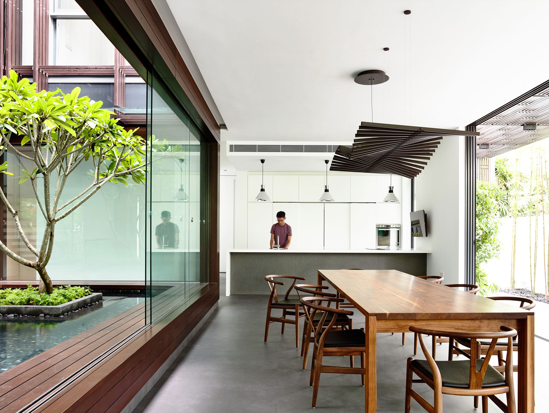 Vertical Court by HYLA Architects
