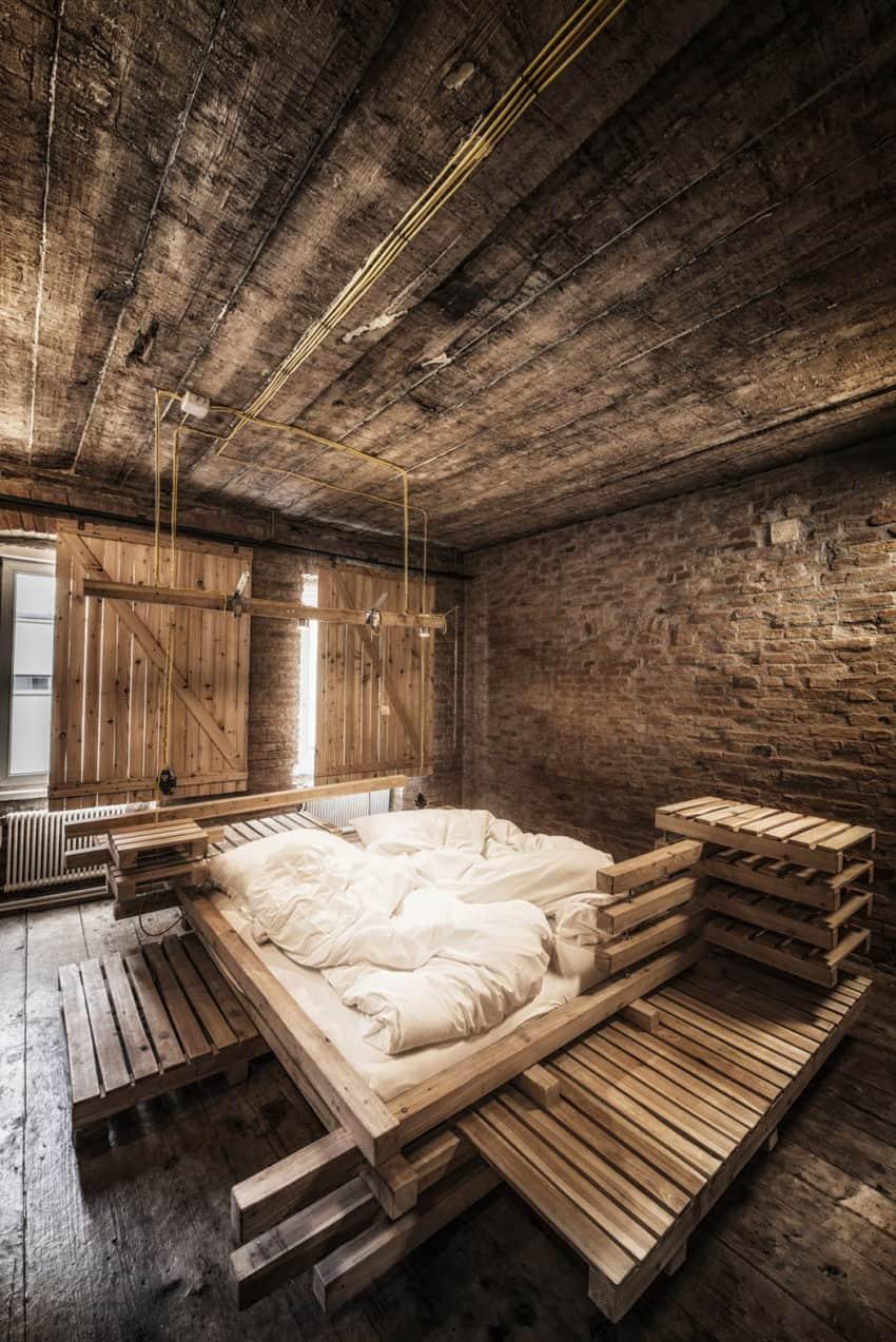 Viennese Guest Room by heri&salli (3)