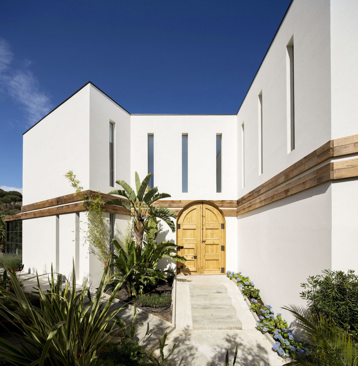 A House by 08023 Architecture + Design + Ideas (1)