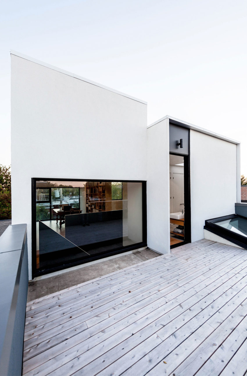 alma street by thomas balaban architecte. Black Bedroom Furniture Sets. Home Design Ideas