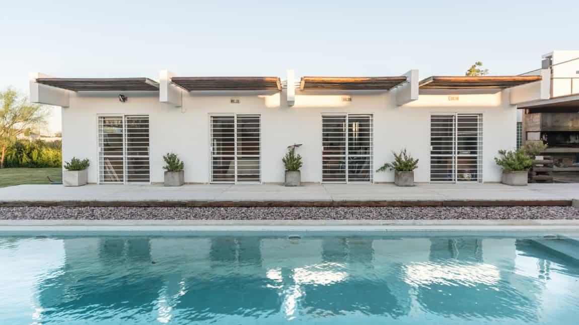 Casa La Santina by Bisio Arquitectos (2)