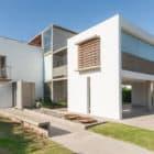 Casa La Santina by Bisio Arquitectos (6)