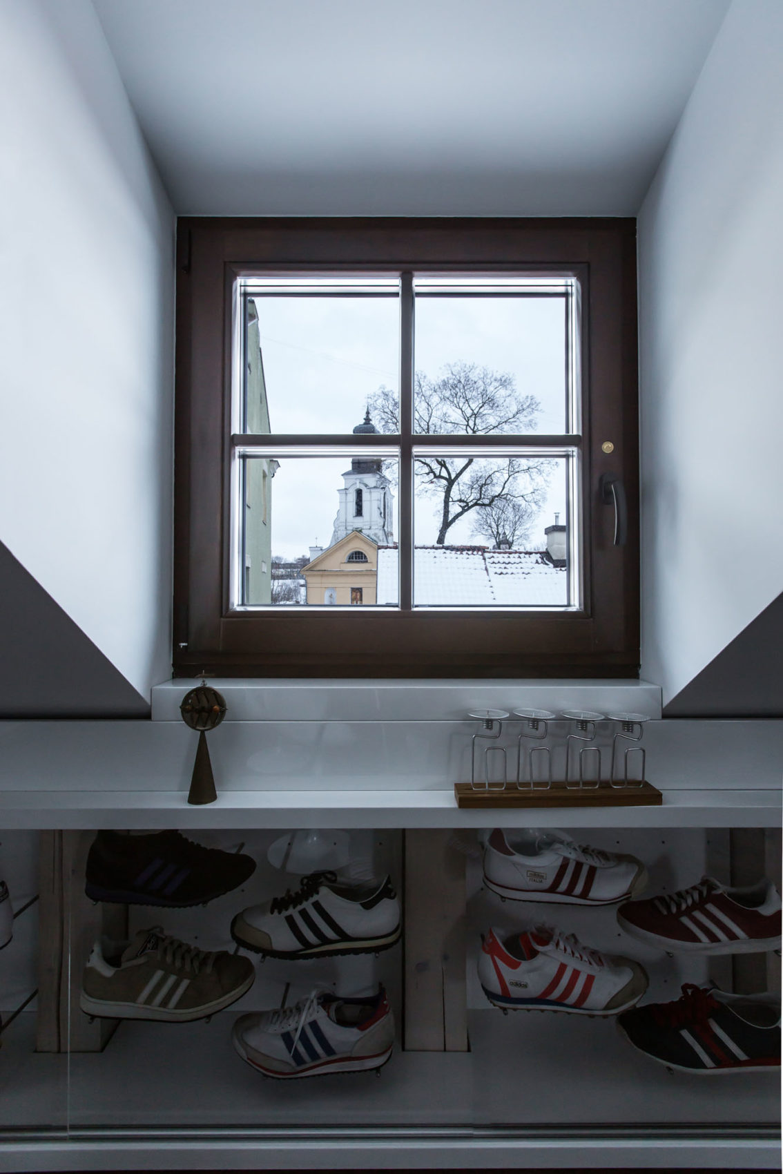 DO Project, a Modern Attic Apartment by YCL Studio (5)