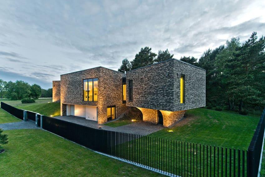 Family House In Palanga II by UAB Architektu biuras (24)
