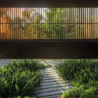 Delta House by Bernardes Arquitetura (3)