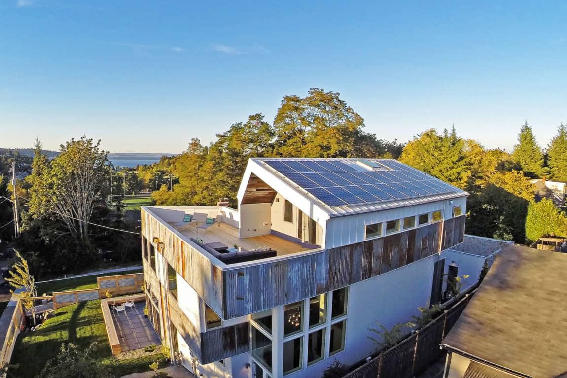 Net Zero Reclaimed Modern Home by Dwell Development (1)