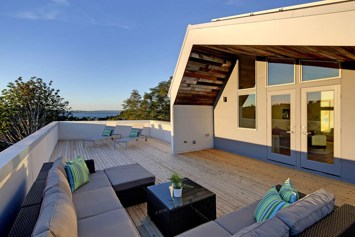 Net Zero Reclaimed Modern Home by Dwell Development (5)