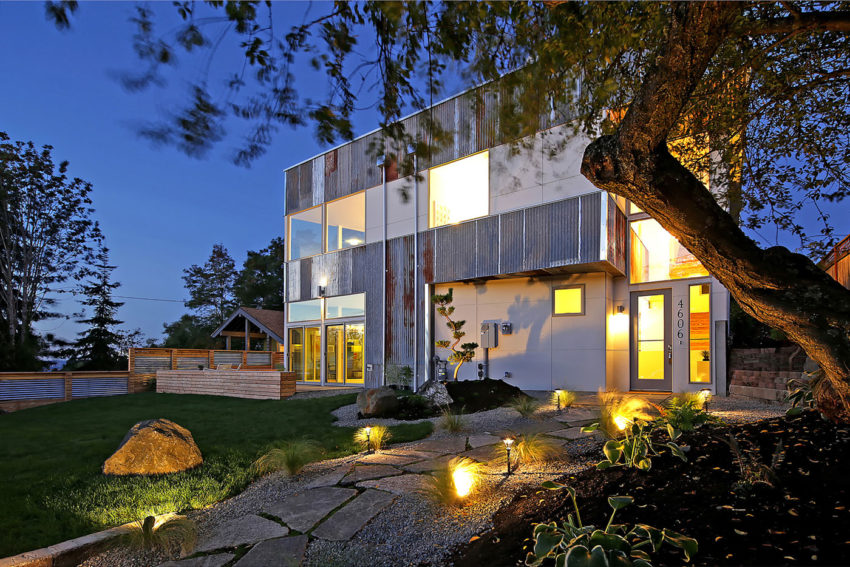 Net Zero Reclaimed Modern Home by Dwell Development (18)