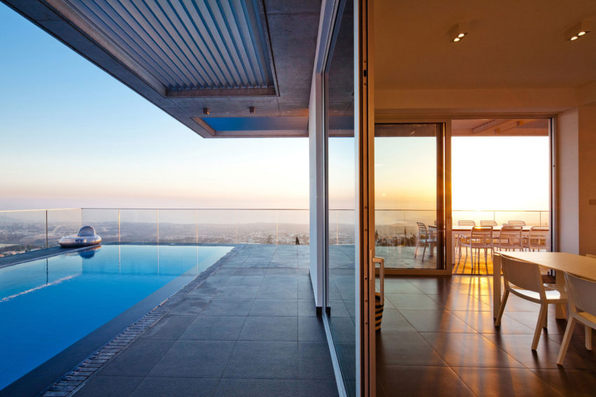 Podromos and Desi Residence by Vardastudio Architects (15)