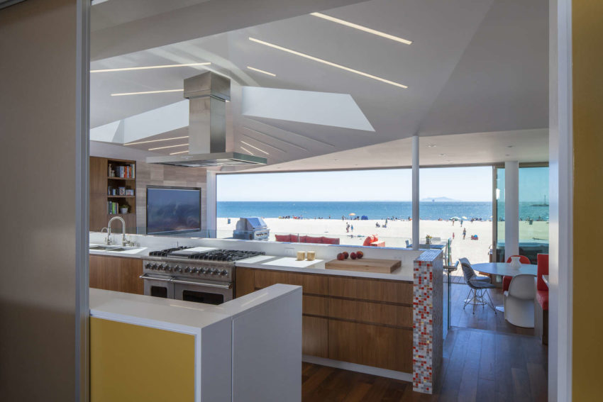 Silver Strand Beach House by ROBERT KERR architecture (4)