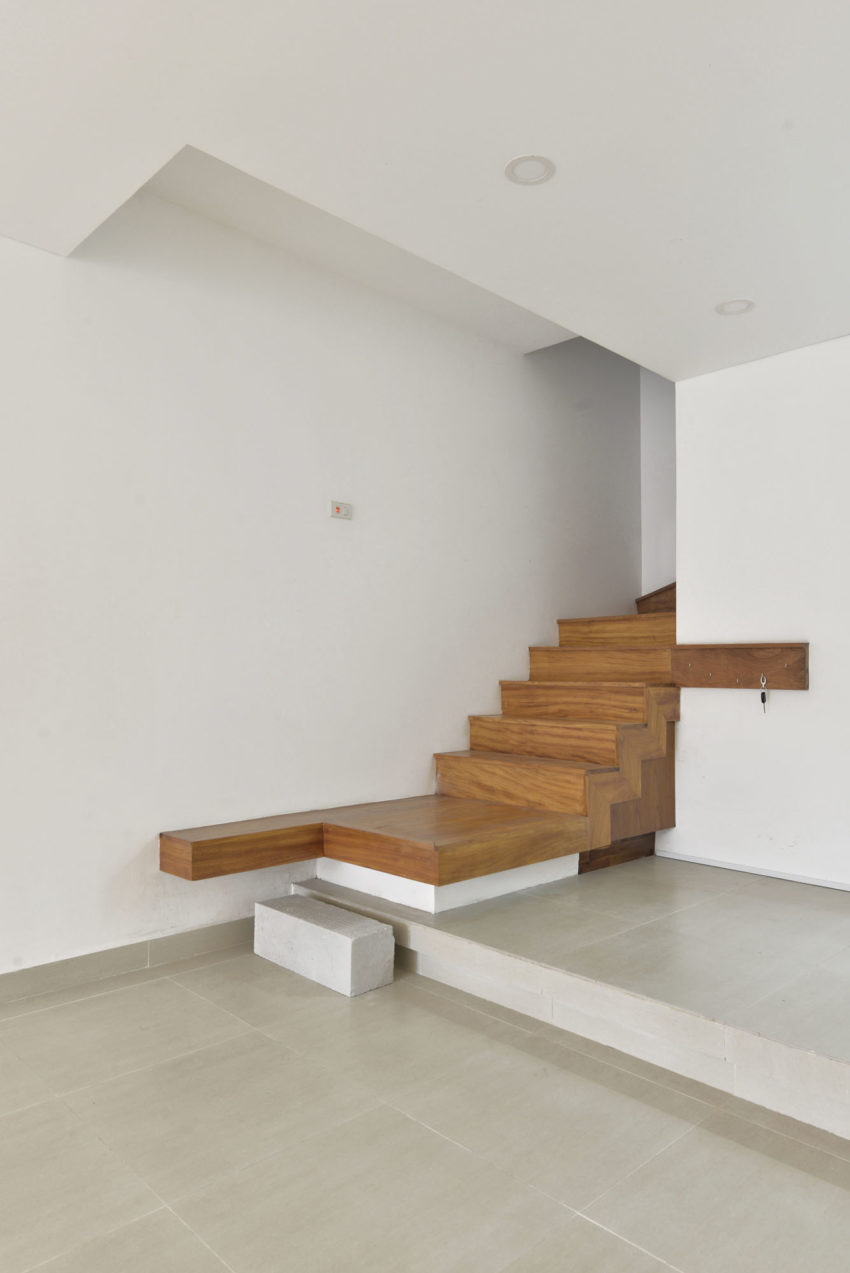 Narrow TT House in Hanoi by Adrei Studio Architecture (5)