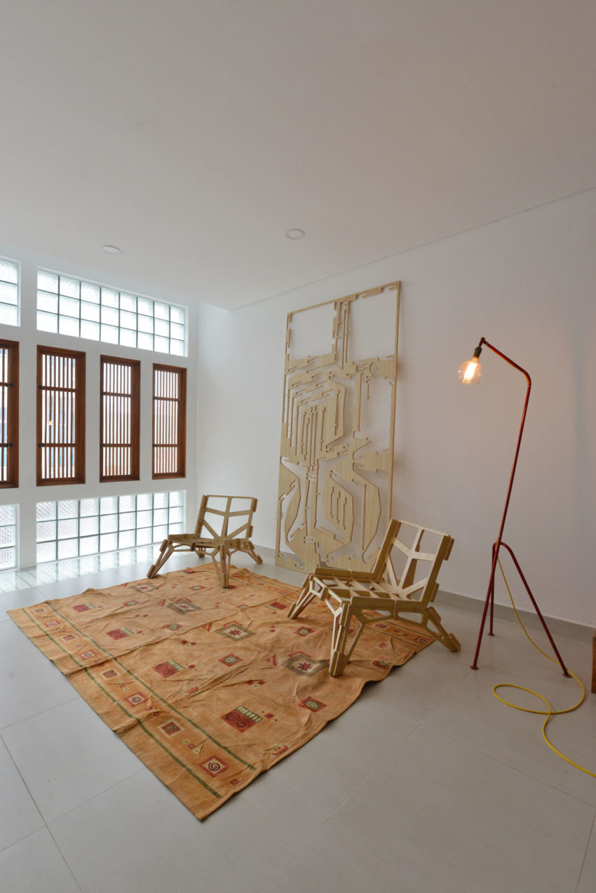 Narrow TT House in Hanoi by Adrei Studio Architecture (8)