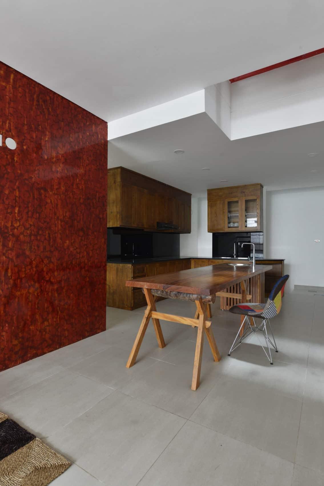 Narrow TT House in Hanoi by Adrei Studio Architecture (11)