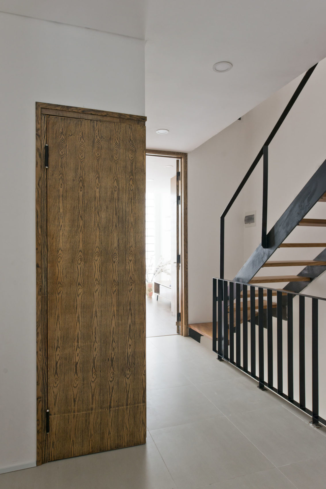 Narrow TT House in Hanoi by Adrei Studio Architecture (17)
