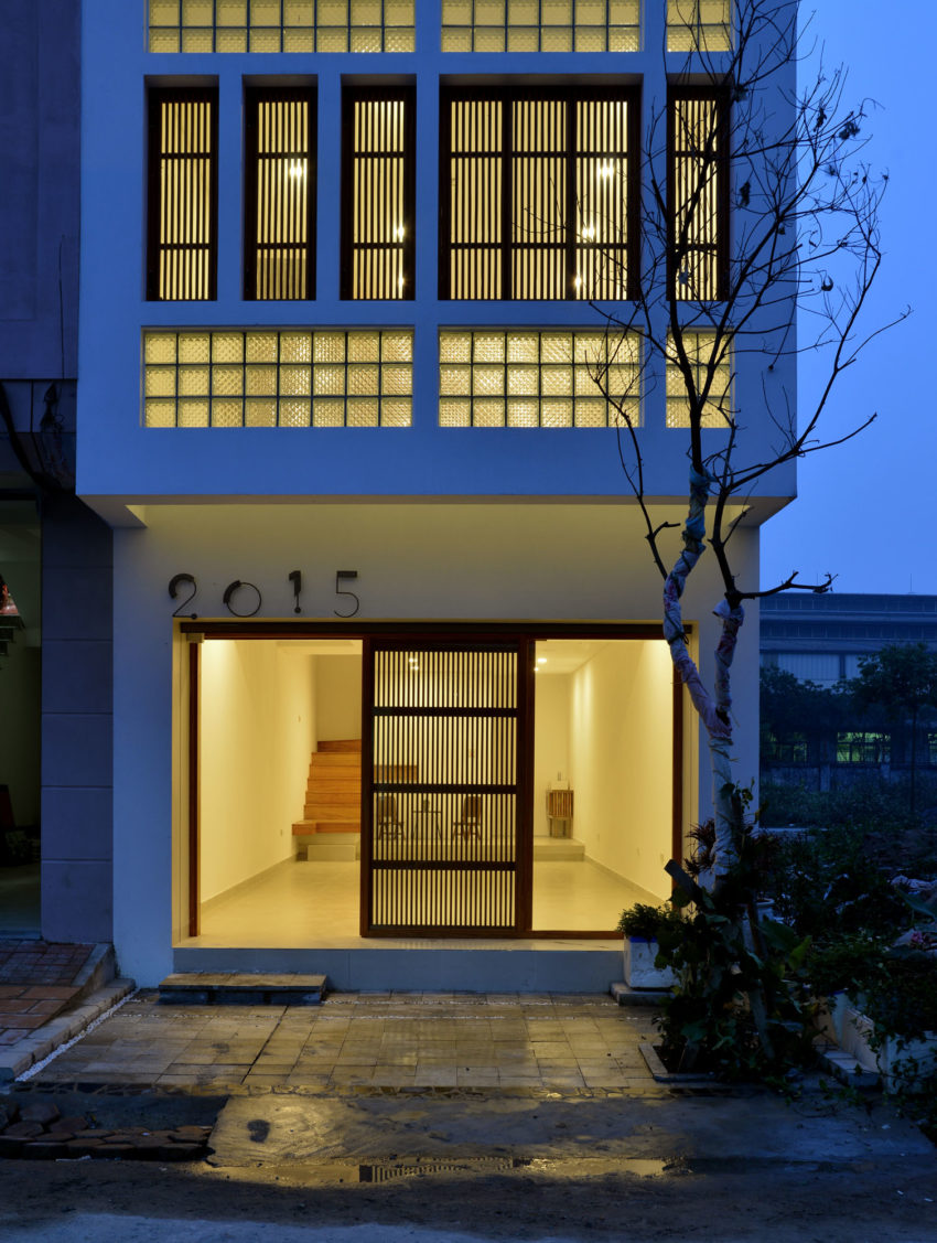 Narrow TT House in Hanoi by Adrei Studio Architecture (30)