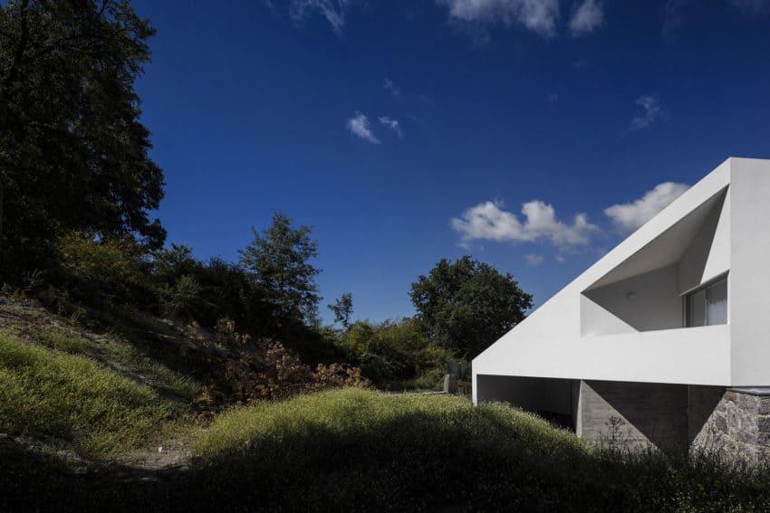 Taíde House by Rui Vieira Oliveira (9)