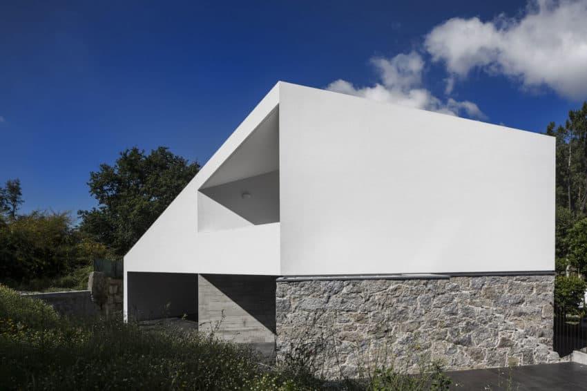 Taíde House by Rui Vieira Oliveira (11)
