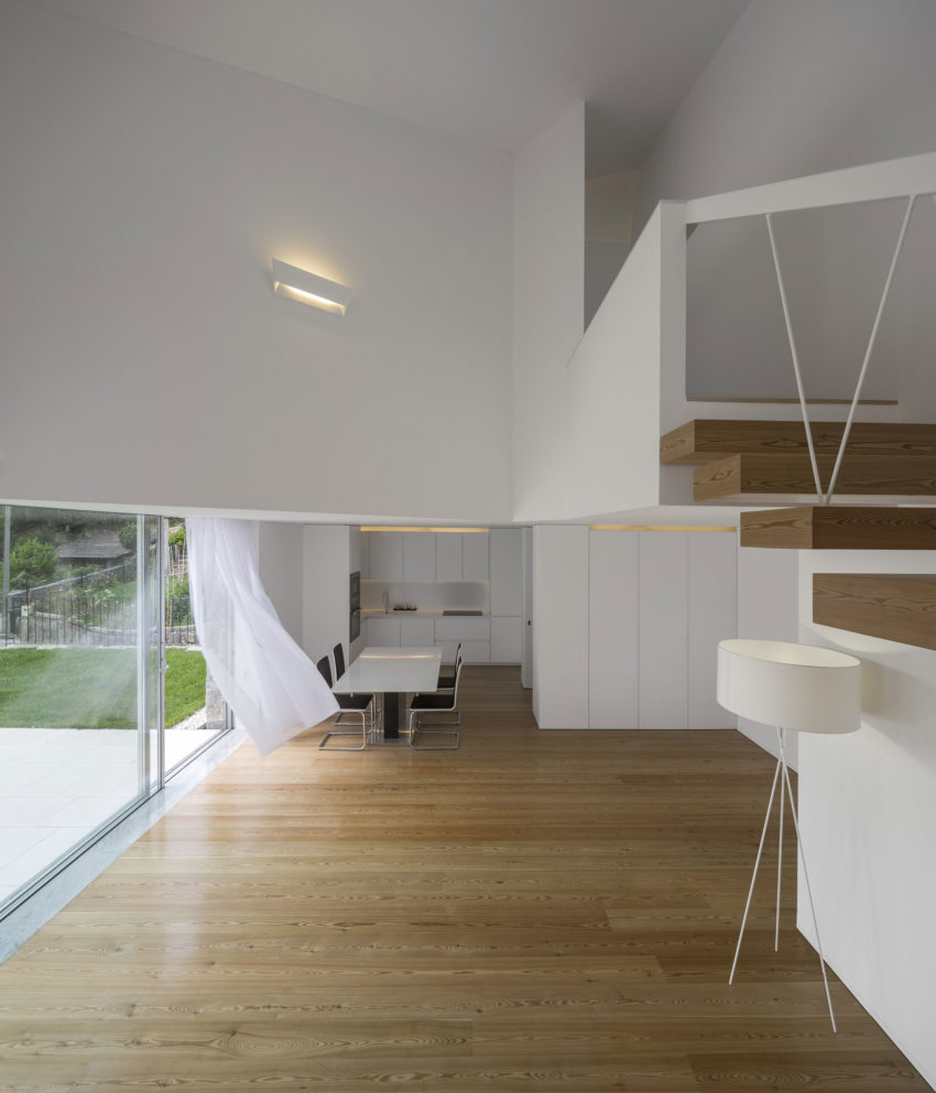 Taíde House by Rui Vieira Oliveira (13)
