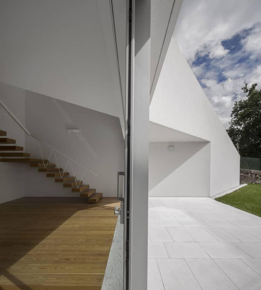 Taíde House by Rui Vieira Oliveira (16)