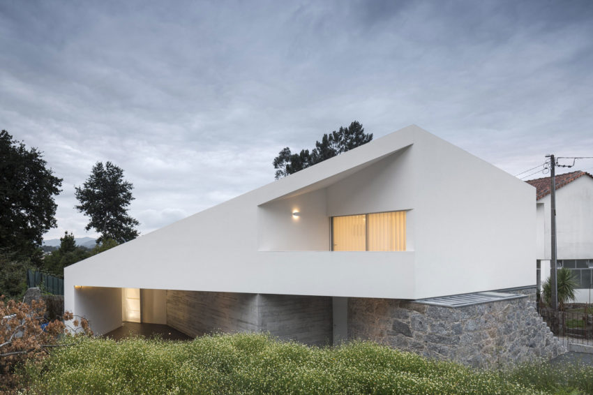 Taíde House by Rui Vieira Oliveira (39)