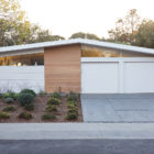 Truly Open Eichler Home by Klopf Architecture (1)