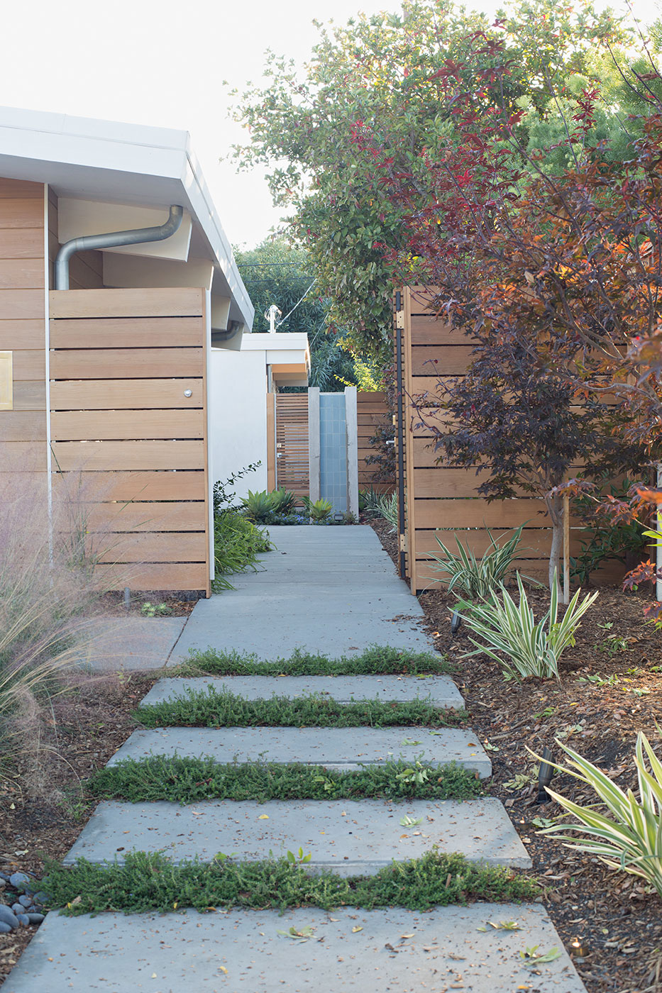 Truly Open Eichler Home by Klopf Architecture (6)