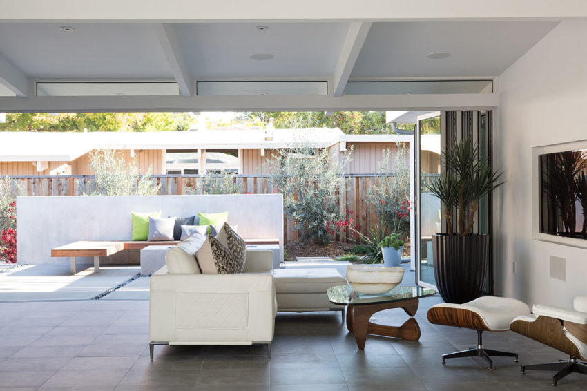 Truly Open Eichler Home by Klopf Architecture (14)