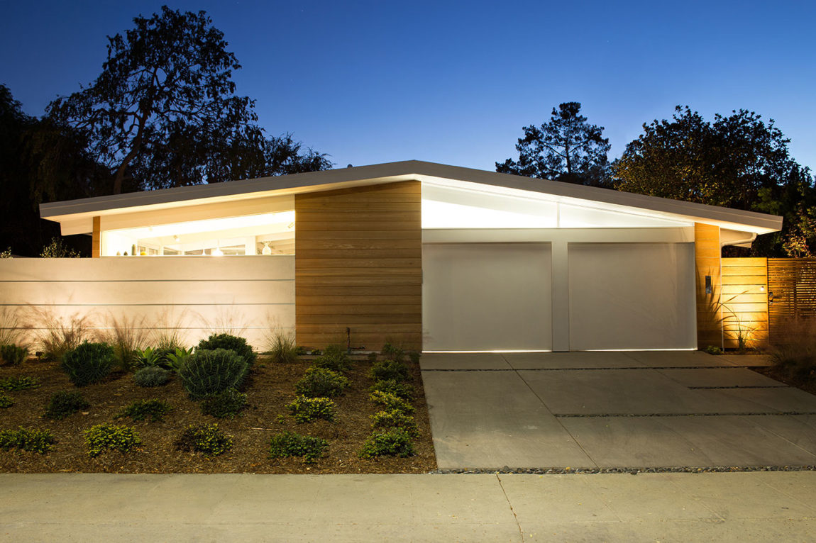 Truly Open Eichler Home by Klopf Architecture (33)