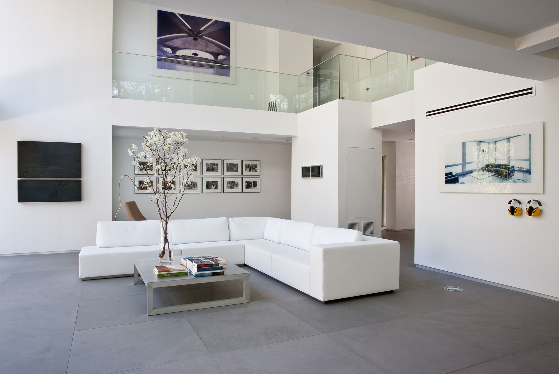 Utopia Residence by [STRANG] Architecture