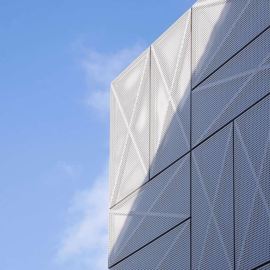 Villa Criss-Cross Envelope by OFIS Architects (6)