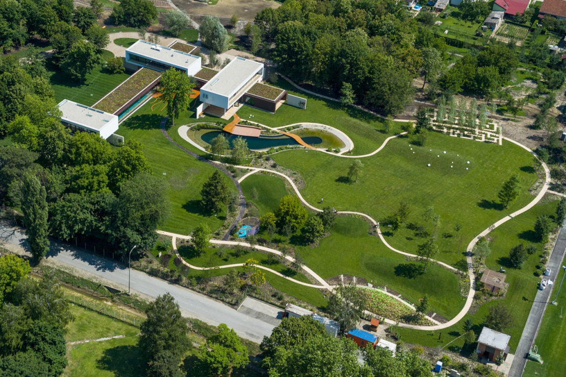 Villa Π by Oliver Grigić (1)
