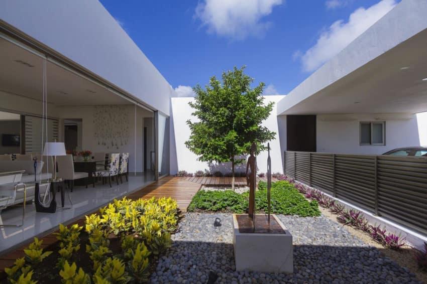 Casa Kopche by Grupo Arquidecture (3)