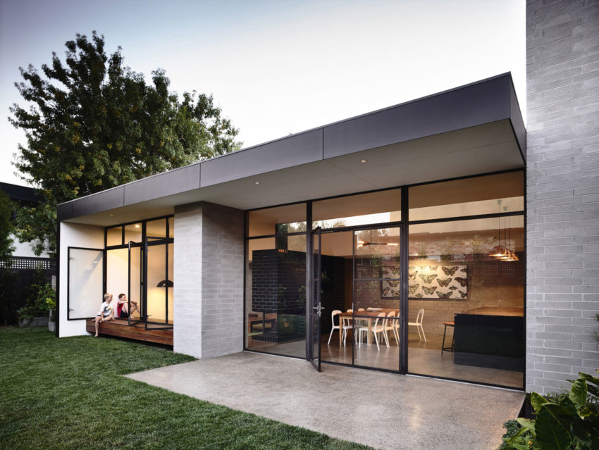 Elwood House by Preston Lane (13)