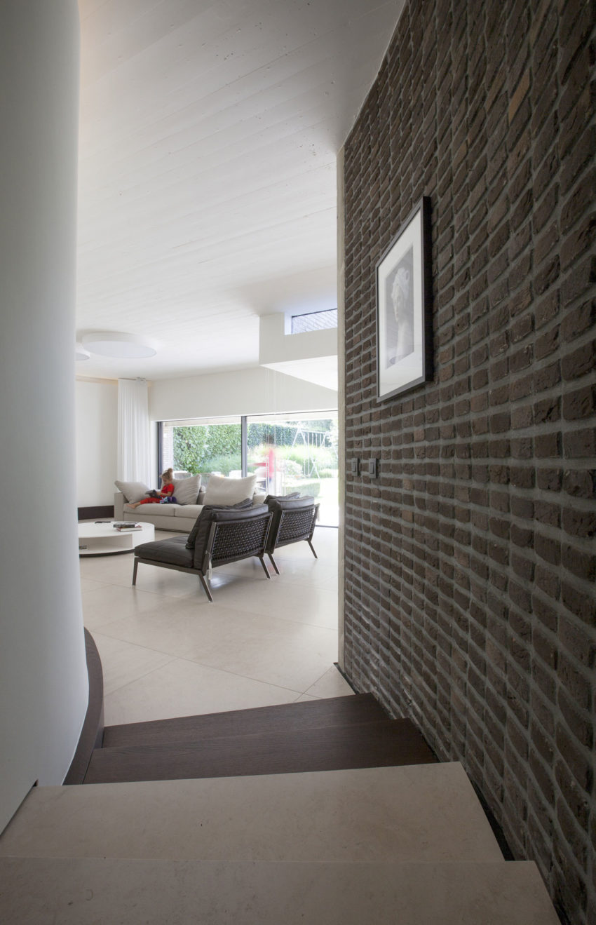 House N Hasselt by MASSARCHITECTS (16)