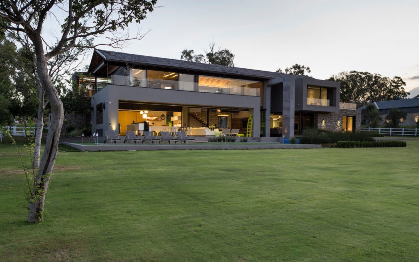 House in Blair Atholl by Nico van der Meulen (3)