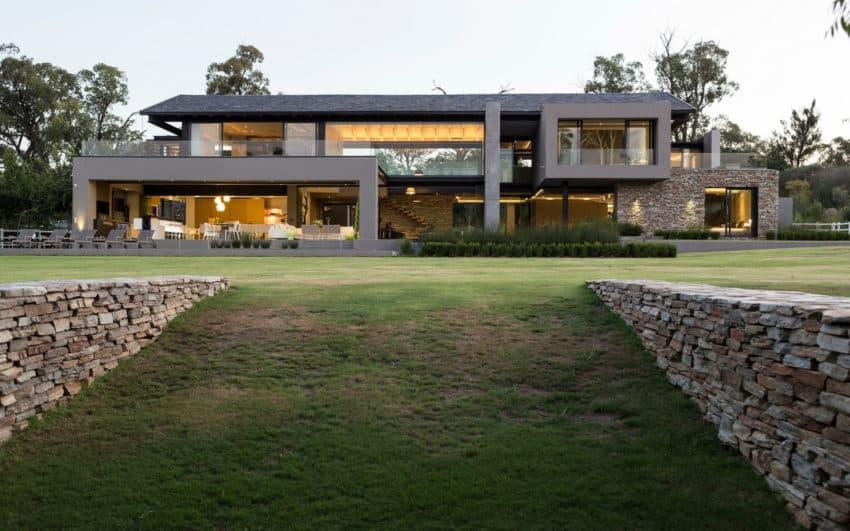 House in Blair Atholl by Nico van der Meulen (4)