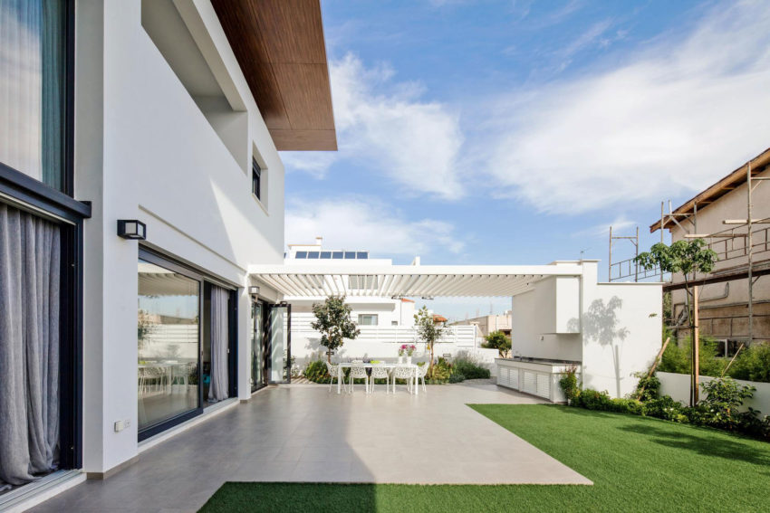 House in Strovolos by Demetris Ioannou Architecture (6)