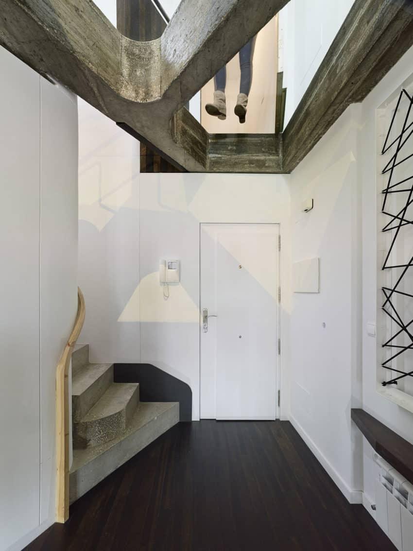 Refurbishment of Duplex by Ameneiros Rey HH Arquitectos (1)