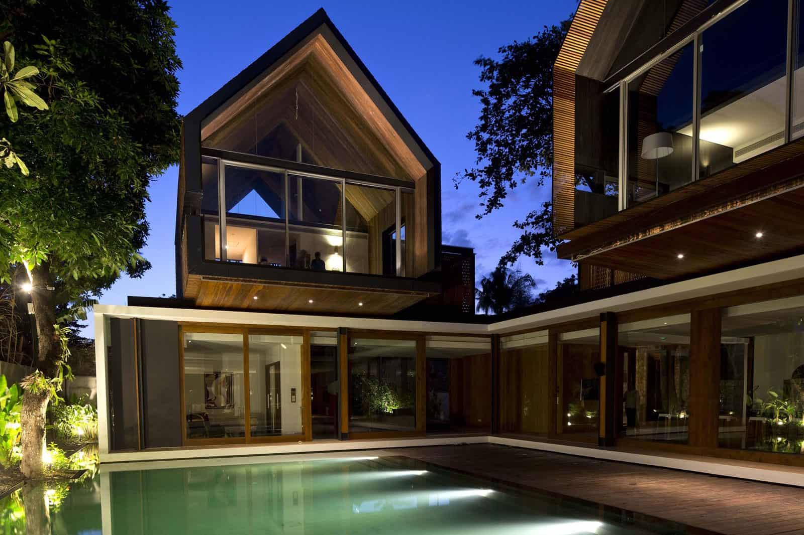 Svarga Residence by RT+Q Architects