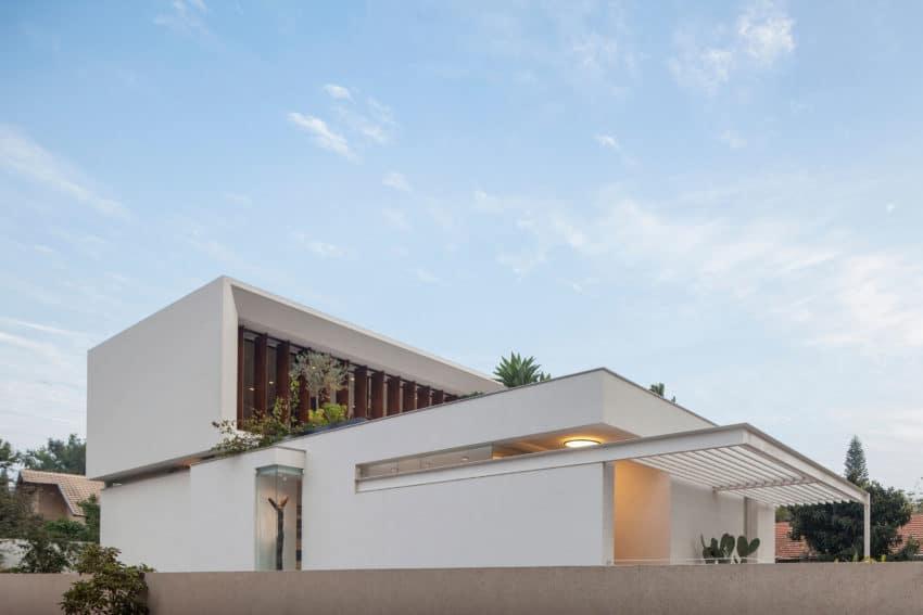 TV House by Pazgersh arch & Michal Keinan Sinai (1)