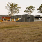 Valley House by Philip M Dingemanse (1)