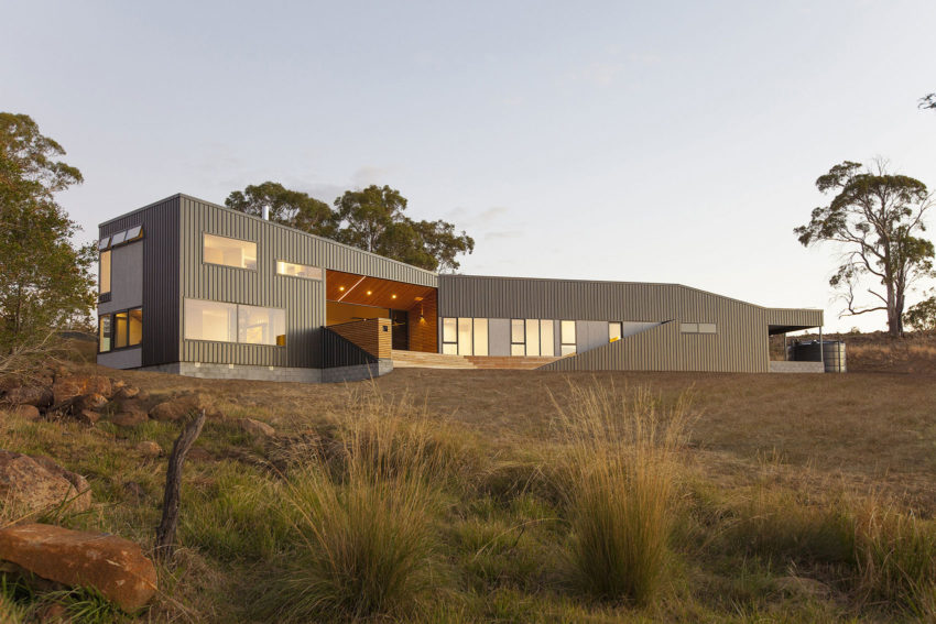 Valley House by Philip M Dingemanse (2)