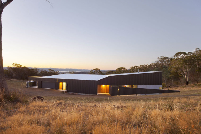 Valley House by Philip M Dingemanse (15)