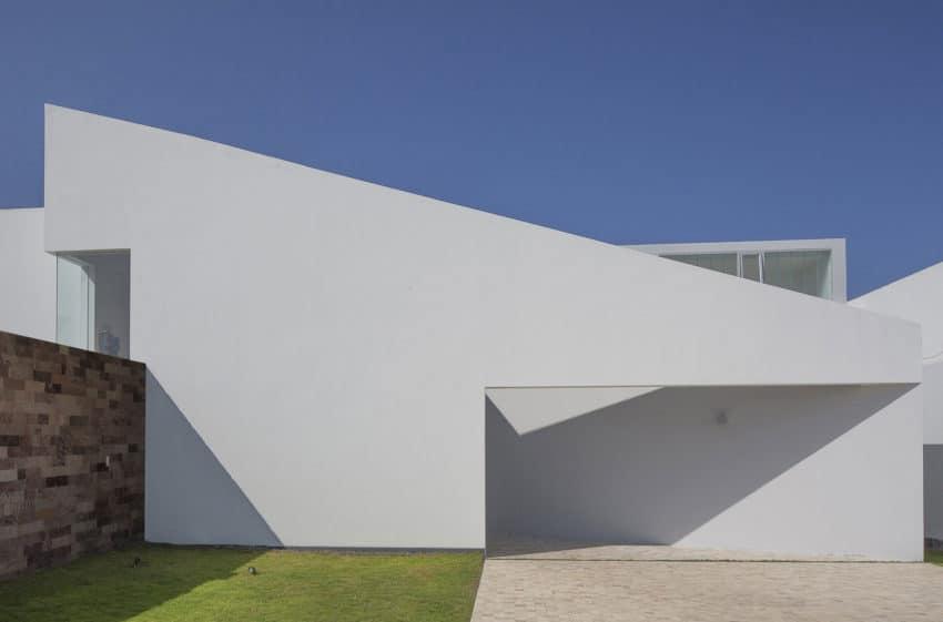 Casa Patios by Riofrio+Rodrigo Arquitectos (3)