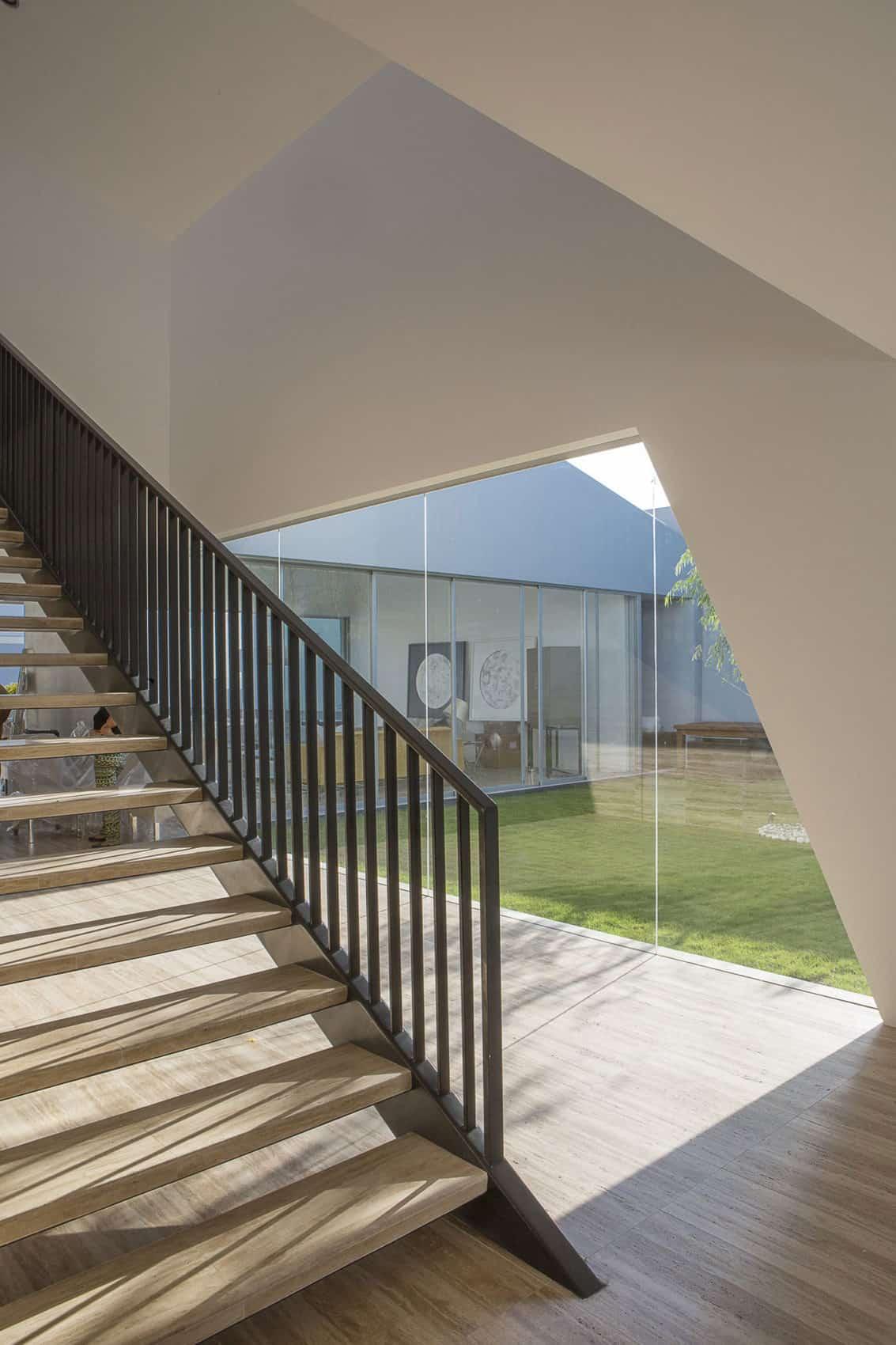 Casa Patios by Riofrio+Rodrigo Arquitectos (8)