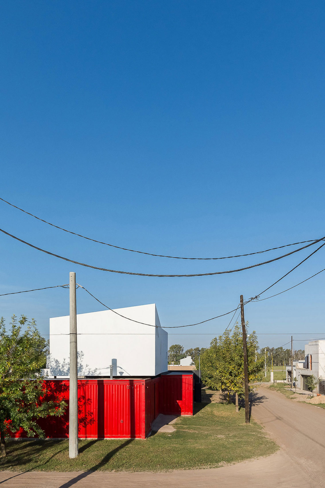 Container House by José Schreiber Arquitecto (2)